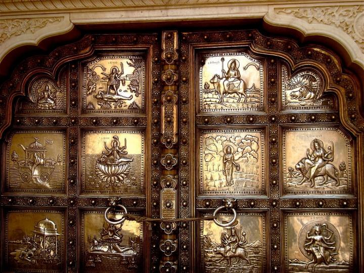 sila-devi-entrance